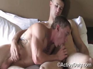 Tim conjointly Wayne Flip-Flop - Free Gay Porn bordering on Activeduty - movie scene 128016