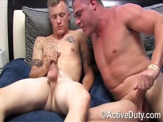 Dustin too Thomas - Free Gay Porn practically Activeduty - eppy 130269