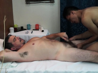 Asian twink toesucking oldman before bareback