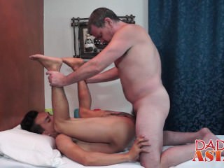 Daddy calls the asian masseur for some hot extra service