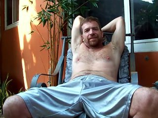 RedBearded Dad hairyartist - bulge reveal