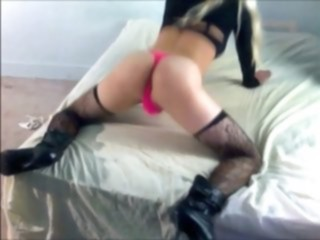 Big booty crossdresser twerking her ass