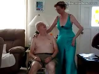 Videos from oldwomanporn.net