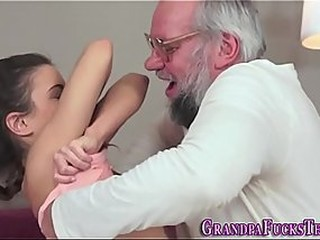 Porno Tubes From hamsterfreeporn.net