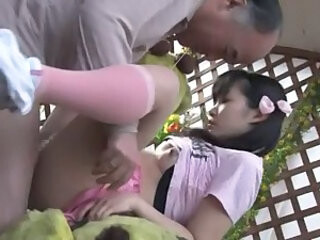 Video posnetki iz asian-xnxx.com