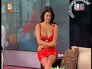 Celebrity Turkish Upskirt