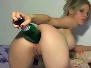 Babe Insertion Natural Pussy Shaved