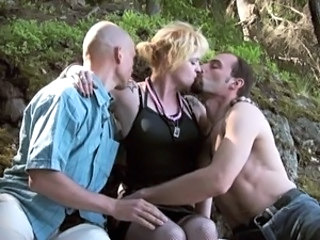 Kissing Public Threesome