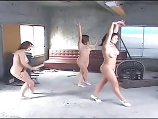 Amateur Dancing Nudist