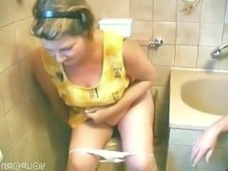Amateur European German Homemade Mature Mom Toilet