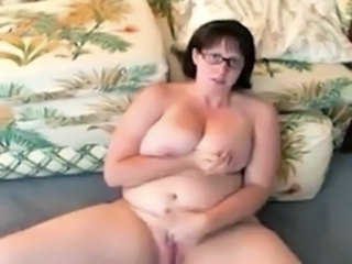 Amateur Chubby Glasses Homemade Masturbating  Natural Wife