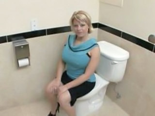 Amateur Big Tits Blonde  Toilet