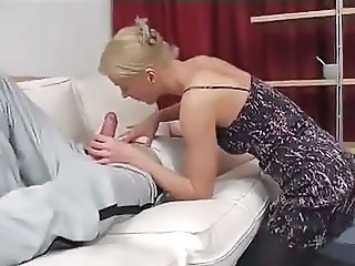 Amateur Blonde Blowjob Mom Old and Young
