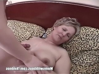 Chubby Cumshot Mature Mom Old and Young
