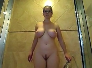 Amazing Big Tits Glasses  Natural Showers Webcam