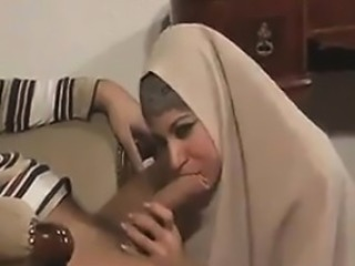 Amateur Arab Blowjob Clothed