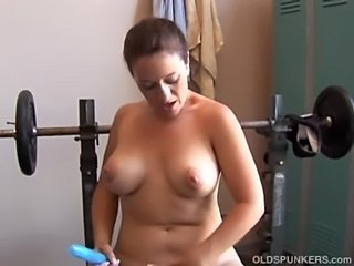 Mature Mom Natural Sport