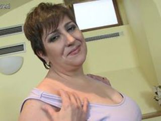 Chubby Mature Mom Solo Stripper