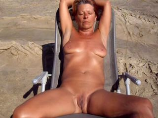 Amateur Beach Mature Nudist Outdoor Pussy Shaved Wife