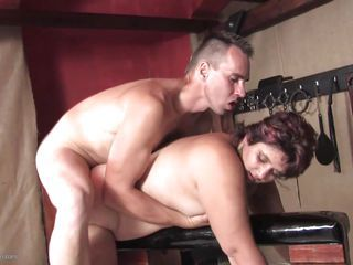 Chubby Doggystyle Hardcore Mature Mom Old and Young
