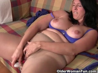 Big Tits Chubby Masturbating Mature Toy