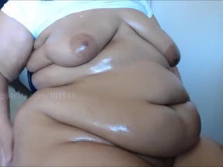 Amateur  Oiled Wife