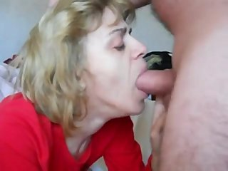 Amateur Deepthroat Family Mature Mom Old and Young Swallow