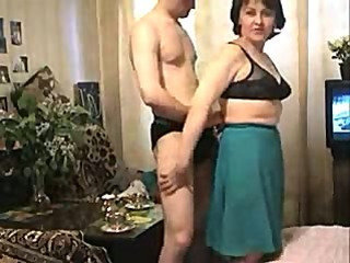 Amateur Family Mature Mom Old and Young