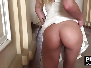 Amateur Ass Public Wife