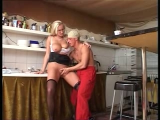 Family Mature Mom Natural Old and Young