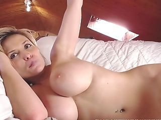 Amateur Big Tits Solo Wife