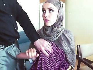 Amazing Arab Handjob  Teen Webcam