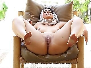 Arab Masturbating  Outdoor Pussy Shaved