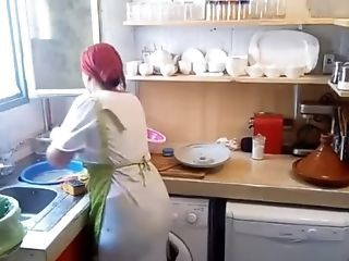 Amateur HiddenCam Kitchen Wife