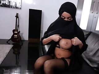 Amazing Arab Big Tits  Nipples