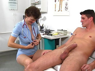 Doctor Family Mature Mom Old and Young Uniform