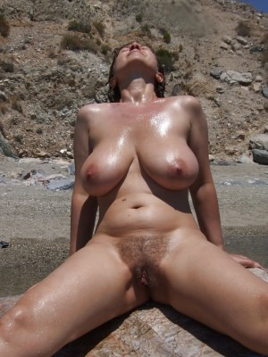 images from maturehousewifepics.com