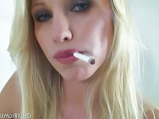 Blonde Facial Natural Smoking