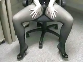 Amateur Legs Office Pantyhose Secretary