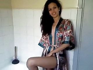Amateur Amazing Arab Girlfriend Homemade Toilet
