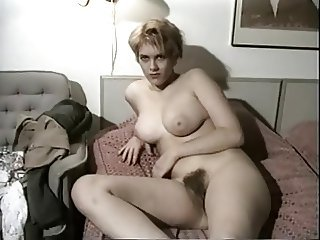 Output Amateur Shows The brush Big Tits And Hairy Snatch