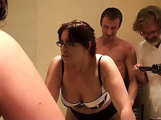 Porn virgin AMBER: frank up her arse, no lube