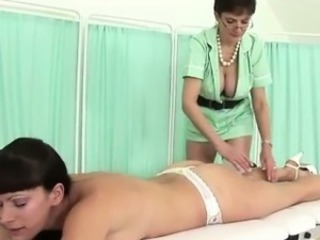 Lady Sonia massages highheeled pamper