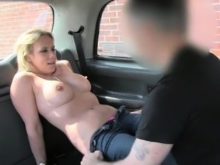 Mediocre peaches cheating gf tries out anal sex with respect to taxi