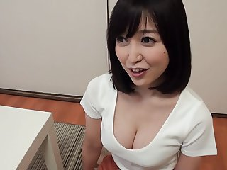 Sexy Japanese Mom Gives Young Man a Graceful