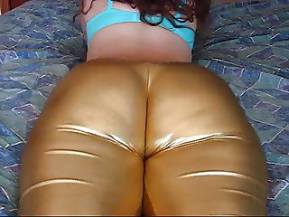 Big ass clench in spandex