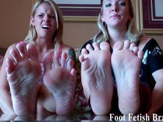 "I know you have always wanted to jerk off to my feet"" class=""th-mov"