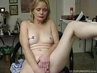 Blonde Masturbating Mature Mom Small Tits