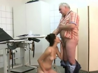 Grandpa Grinding Teen\'S Pussy