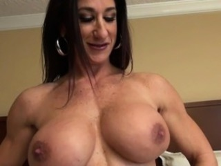 Female Bodybuilder Strips and Masturbates Her Beamy Clit